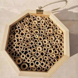 Ruche en bois massif pour abeilles vue dessus